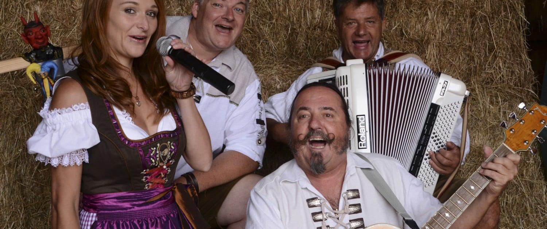 Servus Partyband - offizielles Foto Quartett in Tracht